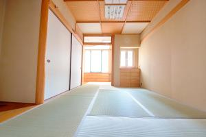 Kyoto Karasuma Apartment, Apartments  Shimmachidōri - big - 9