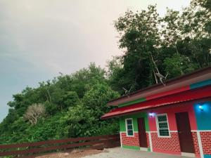 Nurulhuda Langkawi Hillview Roomstay, Gasthäuser  Kampung Padang Masirat - big - 5