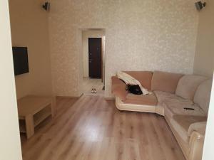 Apartment Tiras