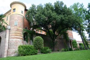 Nearby hotel : Il Castello di Uviglie