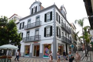 Edificio Charles 103, Ferienwohnungen  Funchal - big - 8
