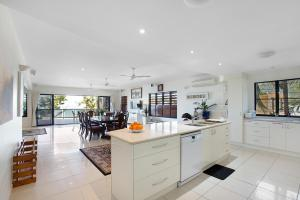 Whitsunday Ocean Melody Deluxe Villa, Homestays  Airlie Beach - big - 46