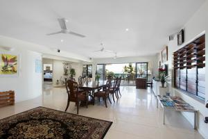 Whitsunday Ocean Melody Deluxe Villa, Homestays  Airlie Beach - big - 44