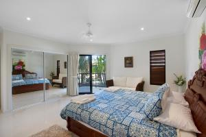Whitsunday Ocean Melody Deluxe Villa, Homestays  Airlie Beach - big - 13