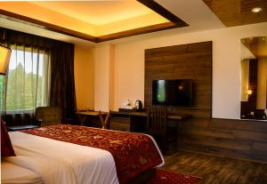 The Rosewood, Hotels  Tangmarg - big - 3
