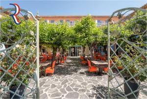 Logis Hotel Le Provencal