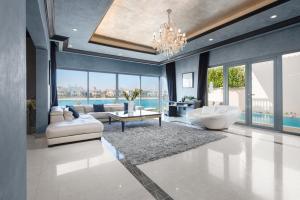 Luxury Palm Sunset Beach Villa - Dubai