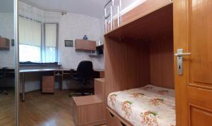 Four-room apartment near metro station Victory Square, Apartmanok  Minszk - big - 5