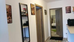 Hostel Tiberius, Hostels  Bucharest - big - 13