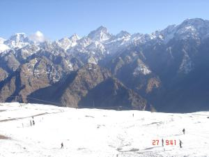 Clifftop Club Auli