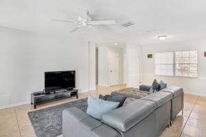 Prime Location , Private Pool , Located In Tampa, Holiday homes  Tampa - big - 7
