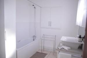 Grassy Guesthouse, Vendégházak  Bloemfontein - big - 11