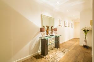 Brownhill Property, Apartmanok  London - big - 15
