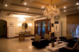 Bella View Lounge