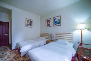 Leshan Kaishaoudun Holidays Hotel Reviews