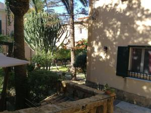 King Arthur's Houses, Bed and breakfasts  Agrigento - big - 30
