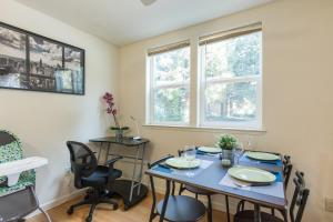 Startup-Friendly 1BR in MV, 5min to Castro St+ AC!, Ferienwohnungen  Mountain View - big - 20