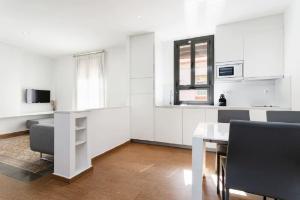 HOMEnFUN Sants Train Station, Apartmány  Barcelona - big - 3