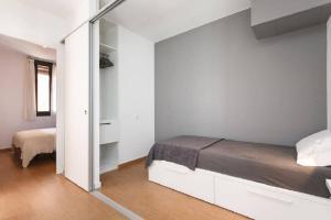 HOMEnFUN Sants Train Station, Apartmány  Barcelona - big - 5