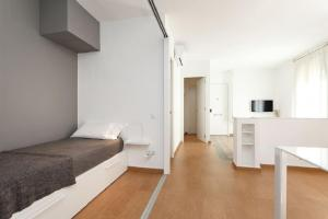 HOMEnFUN Sants Train Station, Apartmány  Barcelona - big - 6