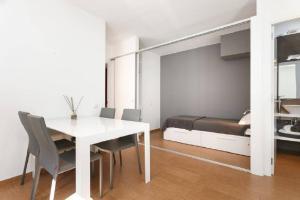 HOMEnFUN Sants Train Station, Apartmány  Barcelona - big - 11