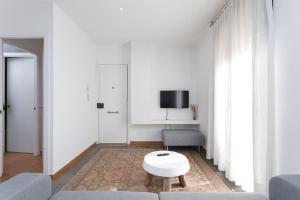 HOMEnFUN Sants Train Station, Apartmány  Barcelona - big - 13