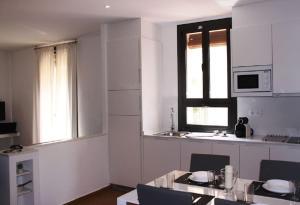 HOMEnFUN Sants Train Station, Apartmány  Barcelona - big - 15