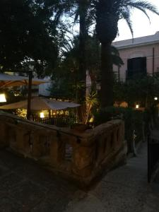 King Arthur's Houses, Bed and breakfasts  Agrigento - big - 23