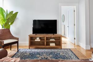 Three-Bedroom on South Street Apt 5, Appartamenti  Boston - big - 23