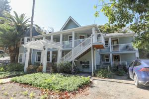Comfortable Family Friendly in Heart of MV with AC, Holiday homes  Mountain View - big - 3