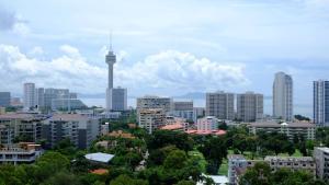 Peak Tower in Phatumnak (Seaview), Apartments  Pattaya South - big - 9