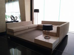 Peak Tower in Phatumnak (Seaview), Apartmány  Pattaya South - big - 45