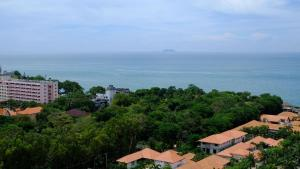 Peak Tower in Phatumnak (Seaview), Apartmány  Pattaya South - big - 39