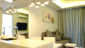 Peak Tower in Phatumnak (Seaview), Apartments  Pattaya South - big - 37