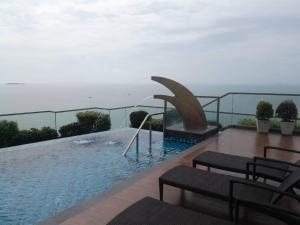 Peak Tower in Phatumnak (Seaview), Apartmány  Pattaya South - big - 30