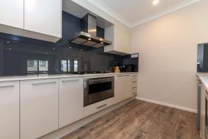 Tomaree Road, 19 'The Cottage', Apartmanok  Shoal Bay - big - 2
