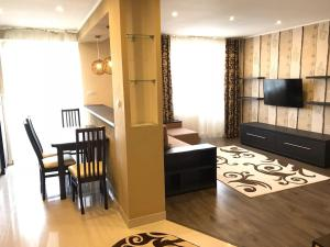 apartment on Lintura 10b, near a park Bozdosh