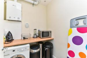 NEW 2 Bedroom Flat In Oval Well Connected to City!, Apartmanok  London - big - 5