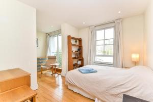NEW 2 Bedroom Flat In Oval Well Connected to City!, Apartmanok  London - big - 3