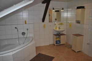 FeWo Radi an der Buchberger Leite, Apartments  Hohenau - big - 5