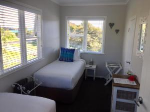 Kiwi House Waiheke, Bed & Breakfast  Oneroa - big - 5