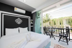 Vacation Time Hostel @ Nai Yang Beach