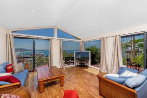 Modern Family Escape - 56 Scenic Highway, Terrigal