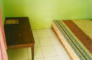 Kost Semarang Peterongan Timur, Penzióny  Semarang - big - 3