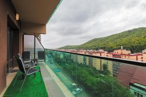 Tampa Gardens - Mountain View Apartment, Apartments  Braşov - big - 14
