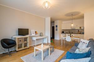 Tampa Gardens - Mountain View Apartment, Appartamenti  Braşov - big - 3