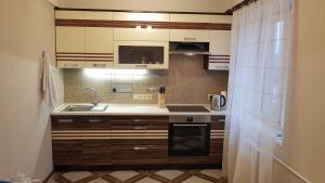 Apartment on Kommunarov 124