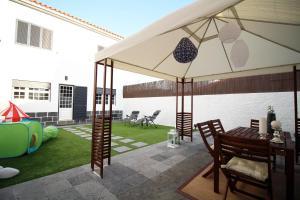 pdl house garden, Дома для отпуска  Понта-Делгада - big - 2
