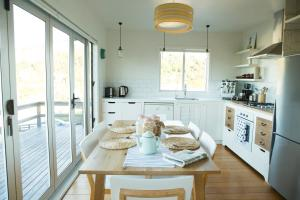 The Black Pearl, Waiheke Island, Holiday homes  Oneroa - big - 10