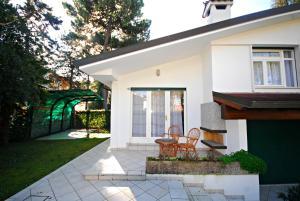 Villetta Vela, Holiday homes  Lignano Sabbiadoro - big - 2